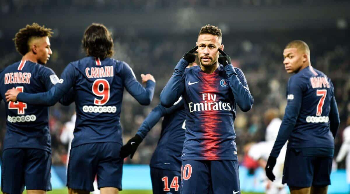 paris saint germain fc soccer team 2019